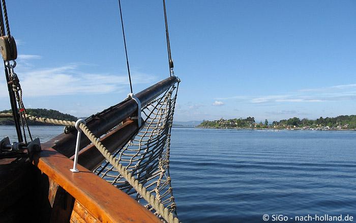auf dem Schiff unterwegs im Osloer Fjord