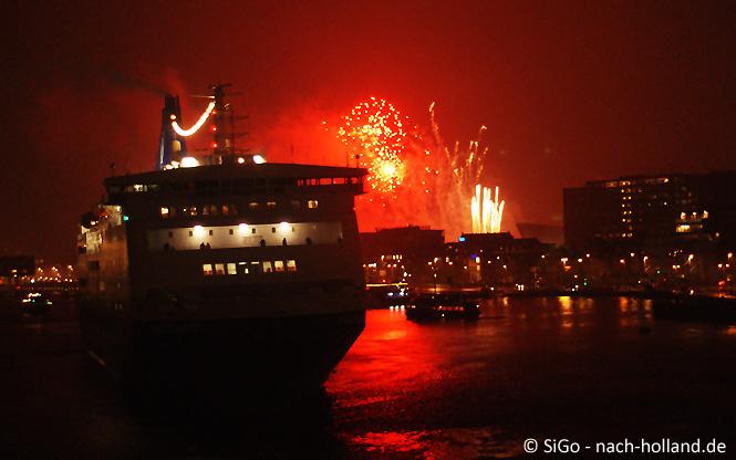 Feuerwerk in Amsterdam - Minicruise DFDS Seaways