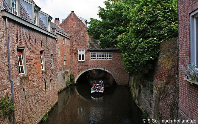 Mit dem Boot durch die Stadt Den Bosch