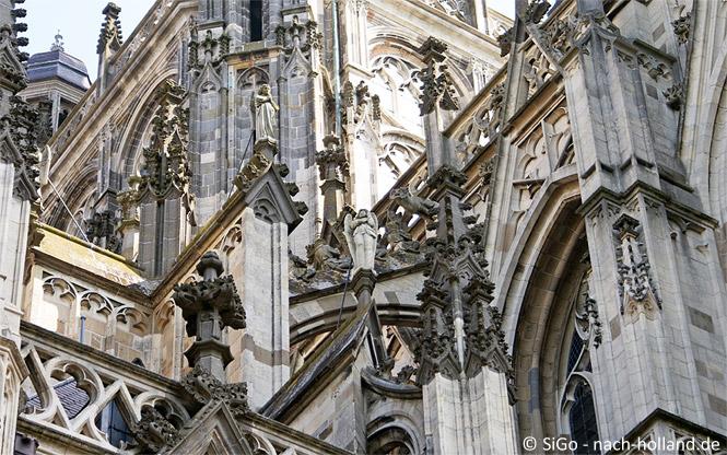 Der moderne Engel der Sint Jans Kathedrale in Den Bosch