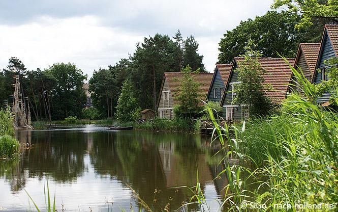 Ferienhäuser am Wasser im Efteling Bosrijk
