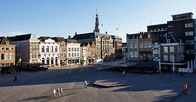 Aussicht auf den Marktplatz Den Bosch vom Hotel Central