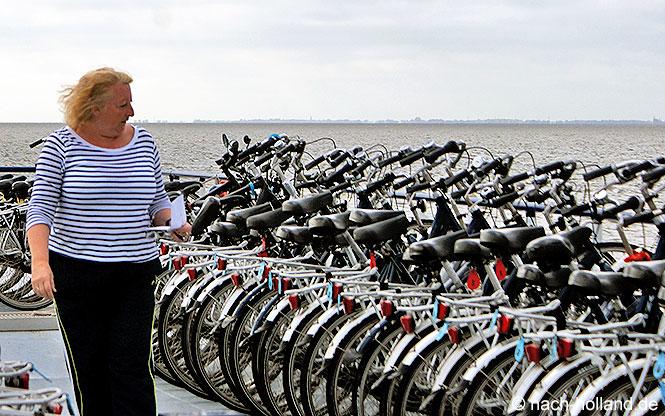 Rad- und Schiffreise Fahrraddeck