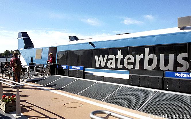 Waterbus von Dordrecht nach Rotterdam