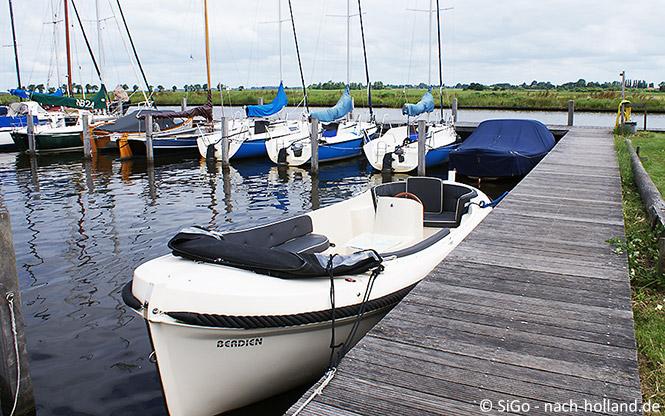 Unser Boot für unsere Tour durch Friesland