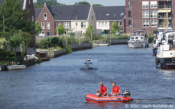 """Fliegendes"" Solarboat in Sneek"