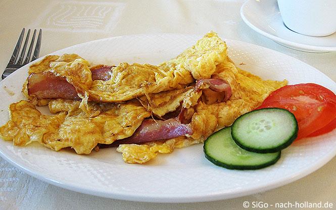 Frühstück im Strandhotel Buren aan Zee