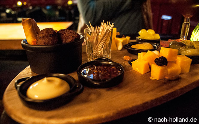 Snacks im Café de Harmonie in Weert