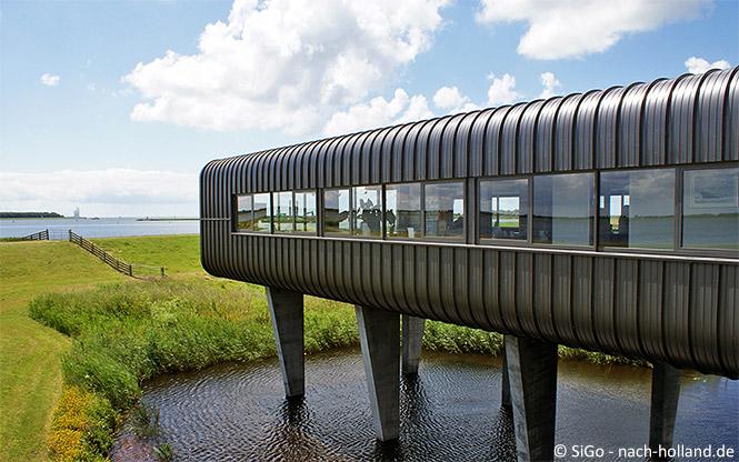 das moderne Besucherzentrum beim Woudagemaal
