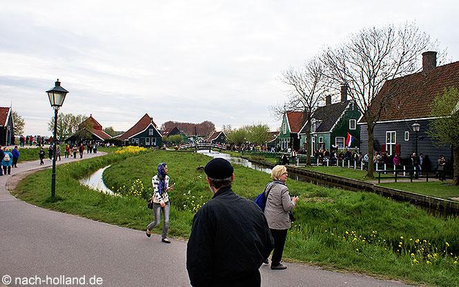 Touristen Zaanse Schans