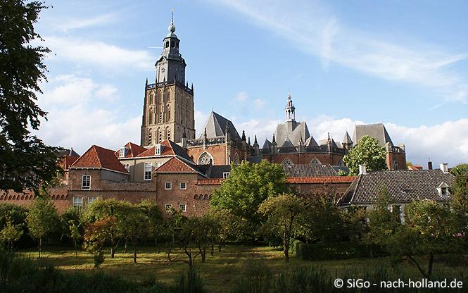 Die Sint Walburgiskerk in Zutphen
