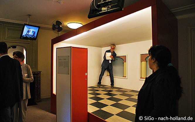 Experimentierbox im Museum Escher in het Paleis