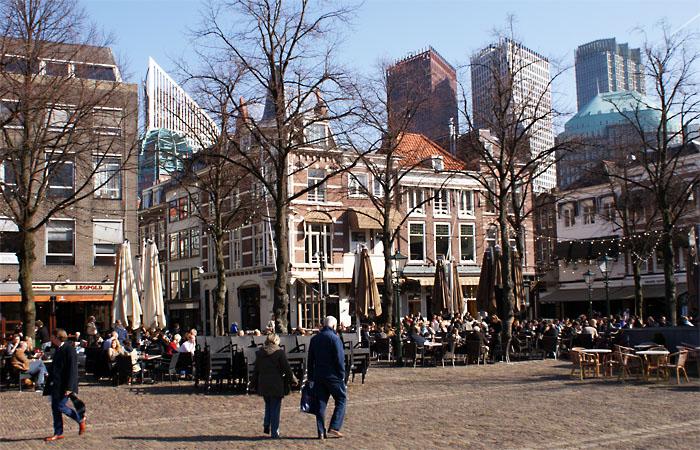 Strassencafés in Den Haag