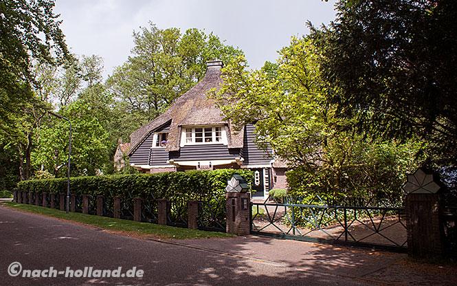 Villa im Park Meerwijk in Bergen