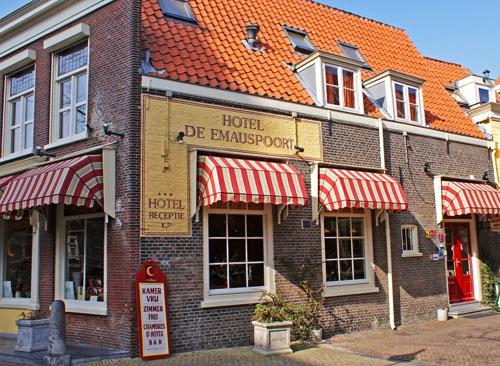 Hotel De Emauspoort in Delft
